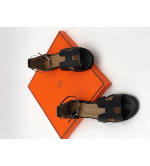Женские сандалии Hermes (Гермес) Santorini кожаные на среднем каблуке Black