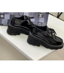 Дерби женские Louis Vuitton (Луи Виттон) Beaubourg кожа лаковая на платформе Black