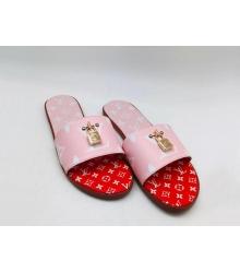Женские шлепанцы Louis Vuitton (Луи Виттон) летние кожаные с замком Pink/Red