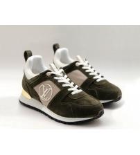 Женские кроссовки Louis Vuitton (Луи Виттон) Run Away замшевые Dark Green