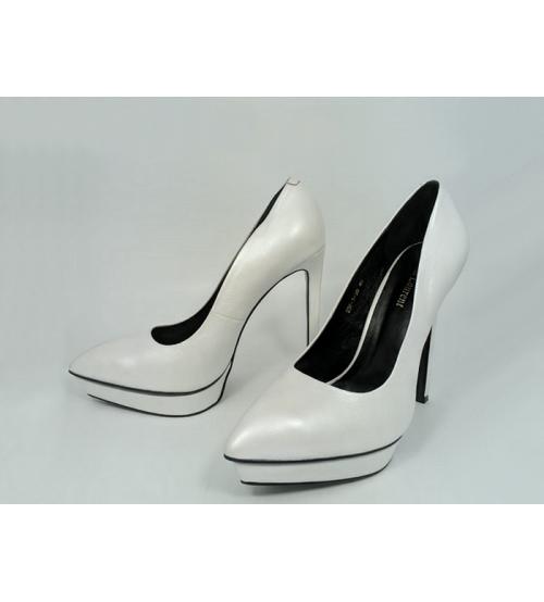 Женские туфли Yves Saint Laurent (Ив Сен Лоран) кожаные на высоком каблука White