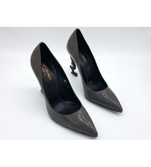 Женские туфли Yves Saint Laurent (Ив Сен Лоран) лаковая кожа с логотипом  каблука Grey a03f09651ae