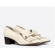 Женские туфли-лодочки Valentino Garavani (Валентино Гаравани) кожаные на каблуке средней высоты White