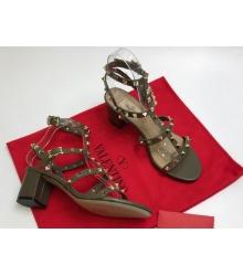 Босоножки женские Valentino Garavani (Валентино Гаравани) кожаные на толстом среднем каблуке с шипами Gray