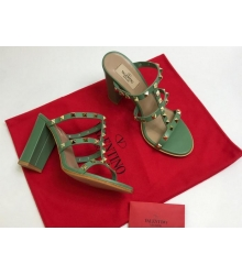 Босоножки женские Valentino Garavani (Валентино Гаравани) кожаные на толстом высоком каблуке с шипами Green