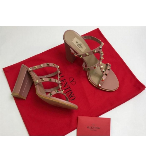 Босоножки женские Valentino Garavani (Валентино Гаравани) кожаные на толстом высоком каблуке с шипами Pink