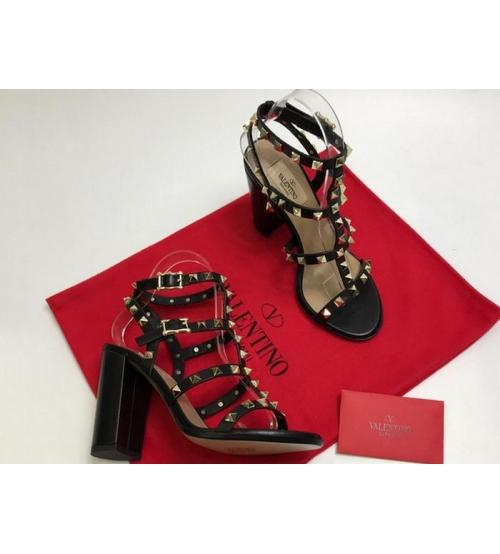 Босоножки женские Valentino Garavani (Валентино Гаравани) кожаные на толстом высоком каблуке Black