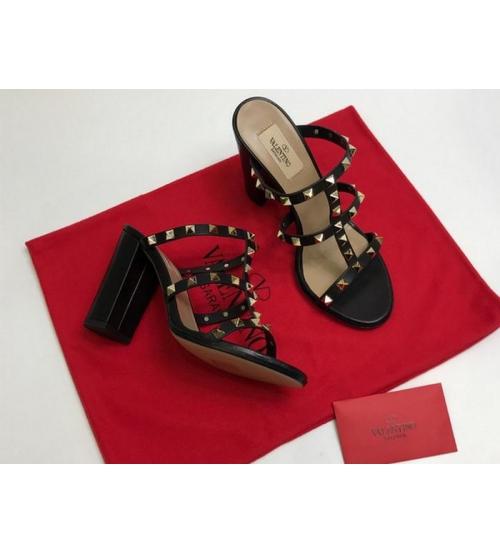Босоножки женские Valentino Garavani (Валентино Гаравани) кожаные на толстом высоком каблуке с шипами Black