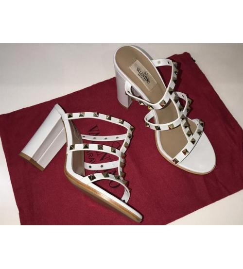 Босоножки женские Valentino Garavani (Валентино Гаравани) кожаные на толстом высоком каблуке с шипами White