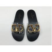 Женские шлепанцы Valentino Garavani (Валентино Гаравани) летние резиновые с лого Black