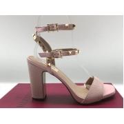 Женские босоножки Valentino Garavani (Валентино Гаравани) Rockstud кожаные на высоком каблуке Pink