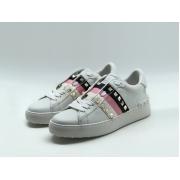 Женские кеды Valentino Garavani (Валентино Гаравани) Rockstud кожаные с шипами White/Pink