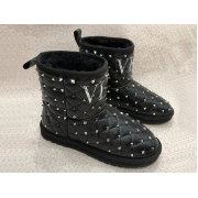 Женские полусапожки - угги Valentino Garavani (Валентино Гаравани) Rockstud зимние кожаные с шипами Black