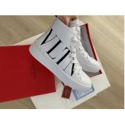 Женские кеды Valentino Garavani (Валентино Гаравани) высокие кожаные на шнуровке White