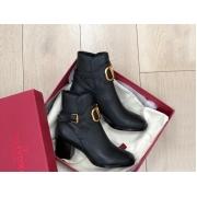 Ботильоны женские Valentino (Валентино) кожаные каблук толстый средней длины Black