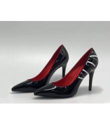 Женские туфли Valentino (Валентино) кожаные на высоком каблуке шпилька с логотипом Black