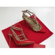 Женские туфли Valentino (Валентино) Rockstud летние кожаные каблук шпилька с ремешком и заклепками Red