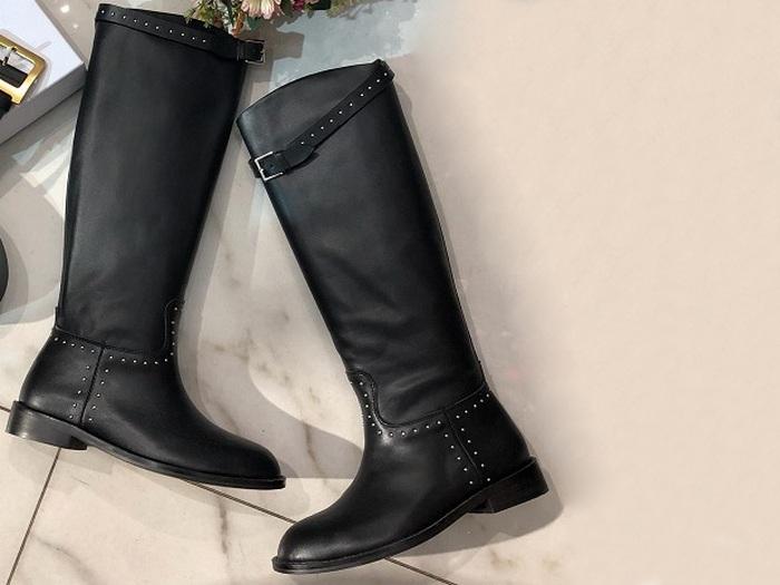 b2ac434d2b56 Женские сапоги Christian Dior (Кристиан Диор) кожаные с заклёпками Black