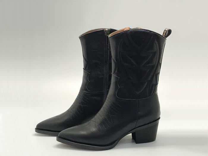 5700f65d5dfa Женские сапоги - казаки Christian Dior (Кристиан Диор) кожаные со звездой  Black