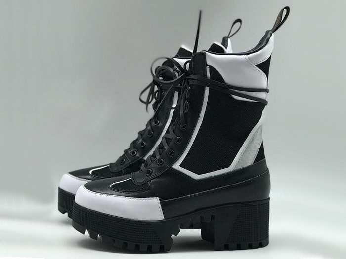 Женские ботинки Louis Vuitton (Луи Виттон) Star Trail Ankle Boot Laureate  кожаные высокие на шнурках Black 6c5a8fc4ae7